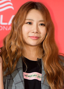 Kim Hyo Jin (JeA - Brown Eyed Girls) (1981)