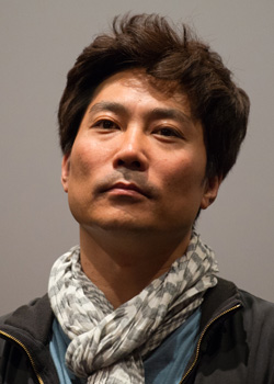 Hong Seo Jun (1968)