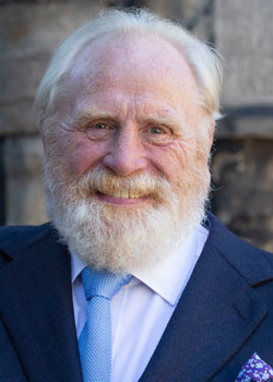 James Cosmo (1947)