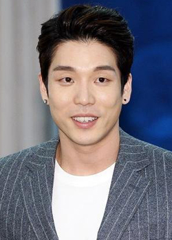 Lee Chang Min (Homme) (1986)