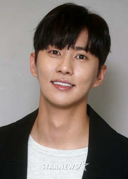 Lee Tae Kyeong (1989)