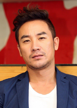 Uhm Tae Woong (1975)